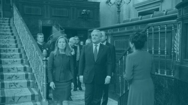 Antonio Tajani, en el Congreso junto a Ana Pastor.