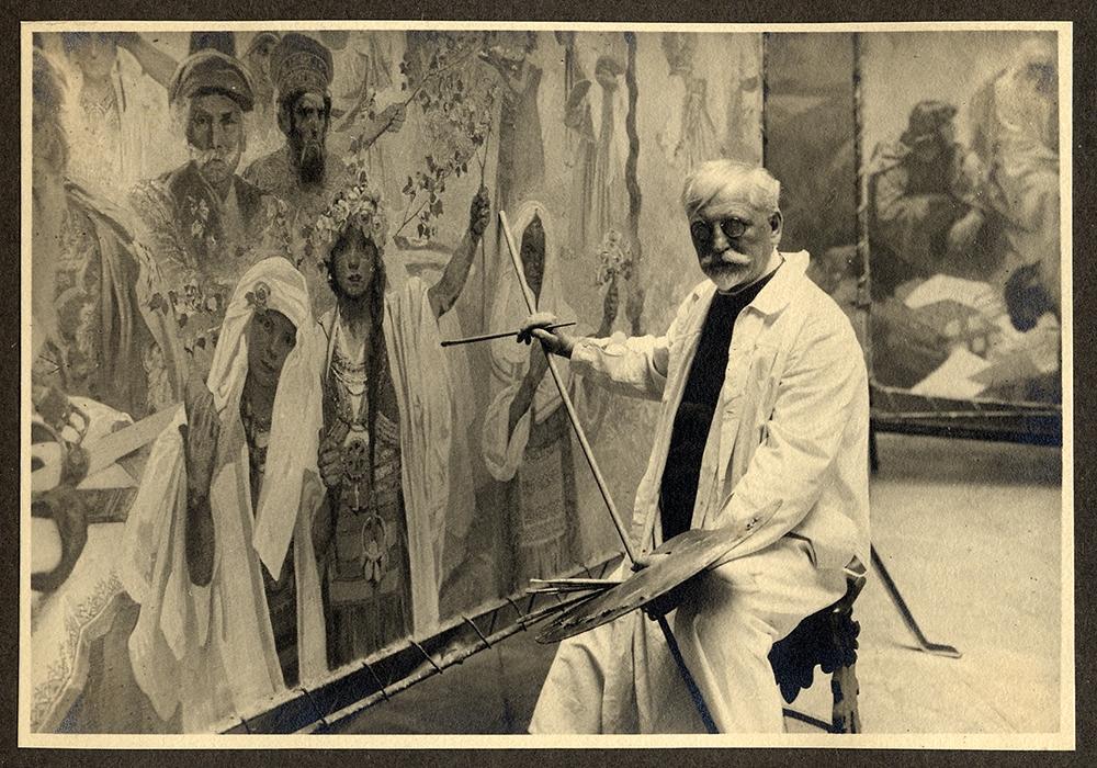 Autorretrato trabajando en el 'Épica Eslava' en su estudio de Bohemia.