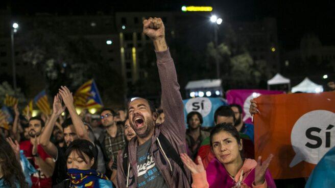 Concentración de ANC en la plaza de Cataluña el 1-O.