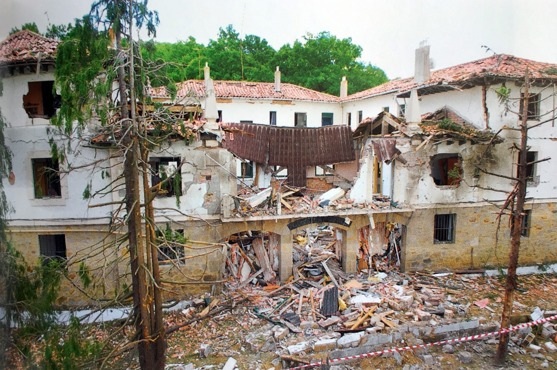 Casa cuartel Legutiano (Álava) furgoneta bomba 2008.