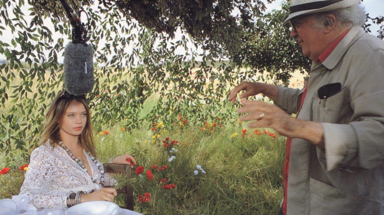 Federico Fellini y Ada Falchi durante un rodaje