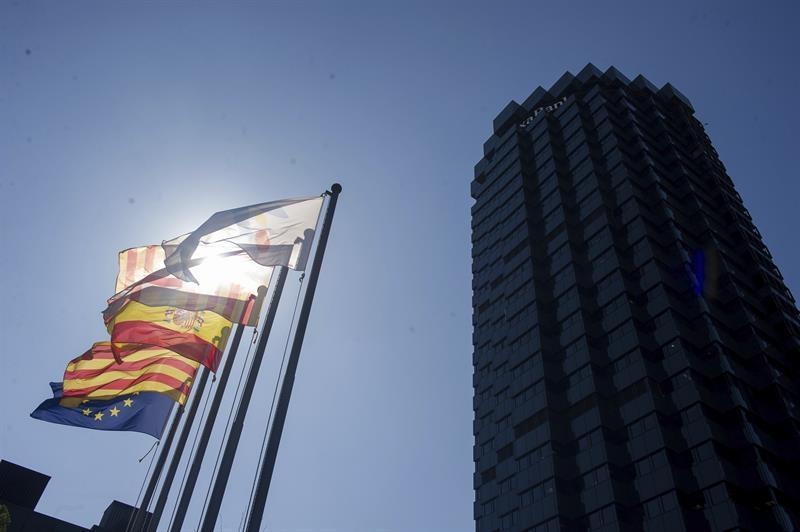 La sede CaixaBank en Barcelona, una de las entidades que ha anunciado su traslado.