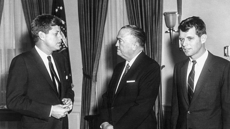 John F. Kennedy, J. Edgar Hoover y Robert F. Kennedy en Washington.