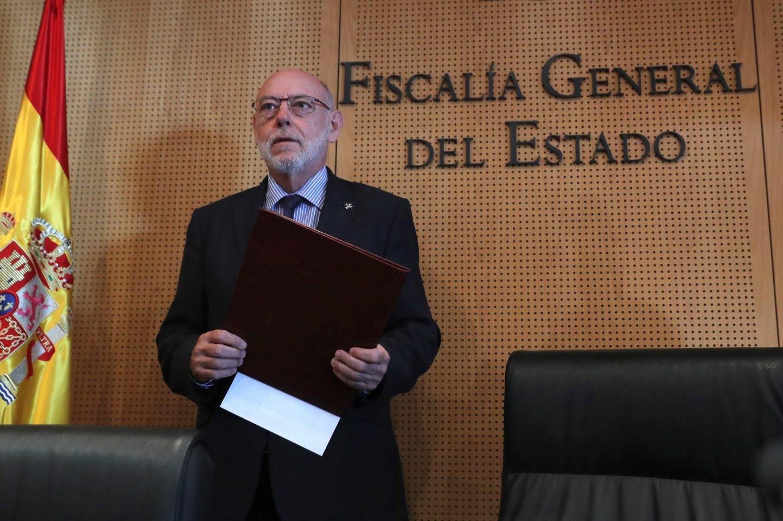 José Manuel Maza presenta las querellas contra los independentistas.