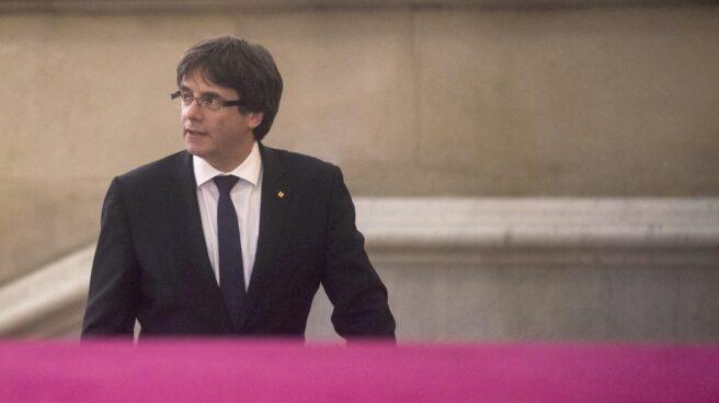 10-O: Puigdemont llega al Parlament.
