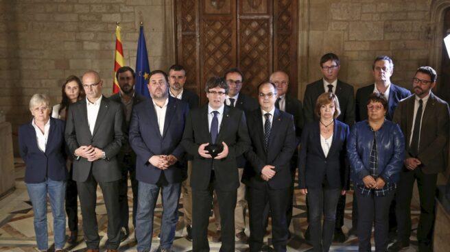 Puigdemont y su Gobierno, tras el referéndum en Cataluña
