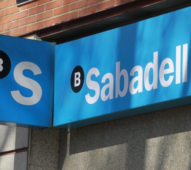 Banco Sabadell negocia con MoraBanc la venta de su negocio en Andorra