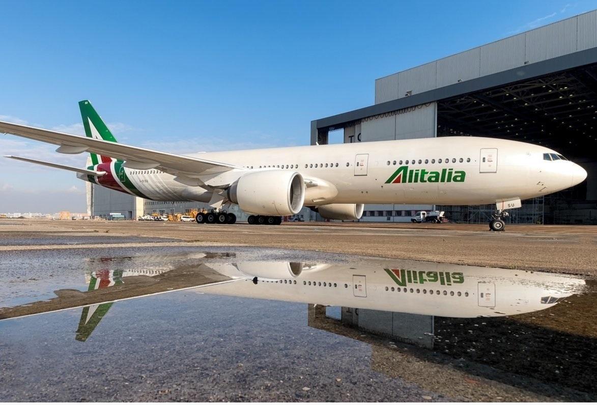 Un avión de la aerolínea italiana Alitalia.