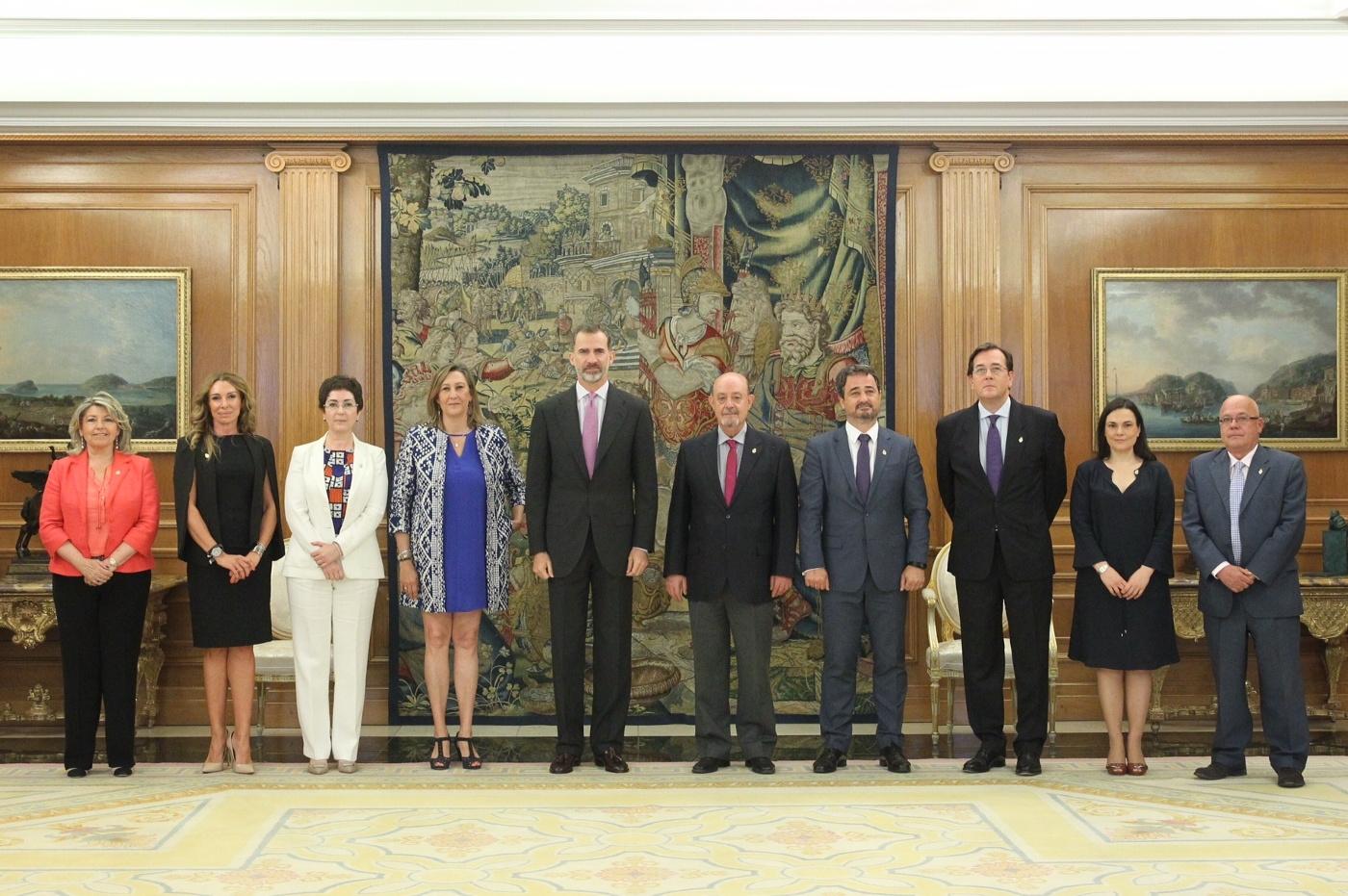 Felipe VI recibe en La Zarzuela a la Junta de Gobierno del Colegio de Abogados de Madrid.