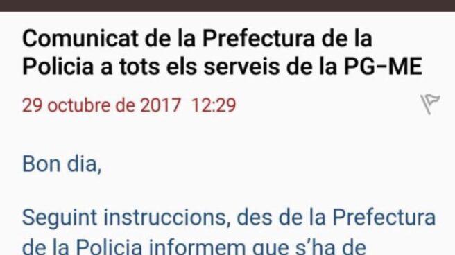Comunicado para retirar las fotos de Puigdemont de las dependencias policiales.