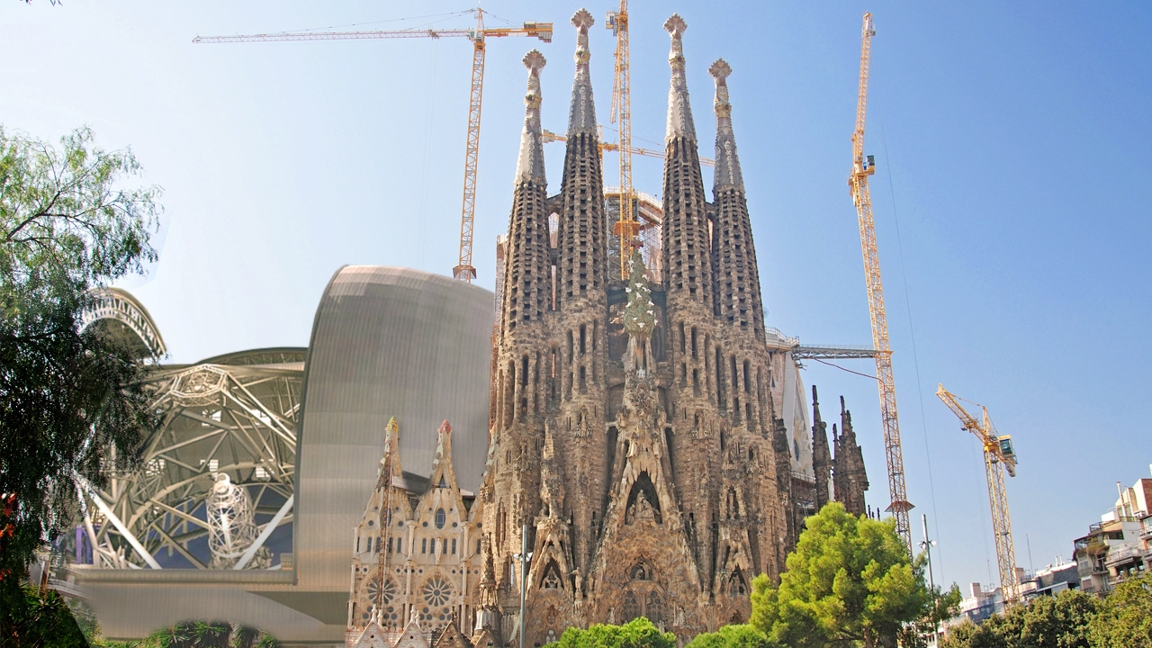 Fotomontaje del Telescopio Gigante ESO en comparación con la Sagrada Familia de Barcelona