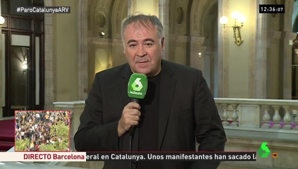 El periodista de La Sexta, Antonio García Ferreras, perseguido este martes en Barcelona.