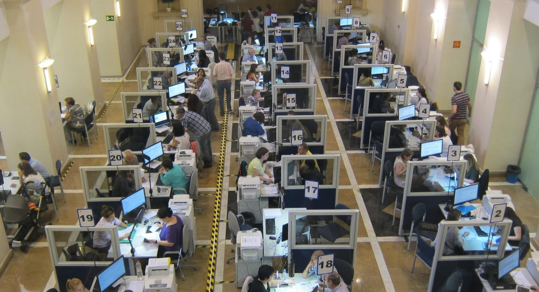 Interior de una oficina de la Agencia Tributaria.