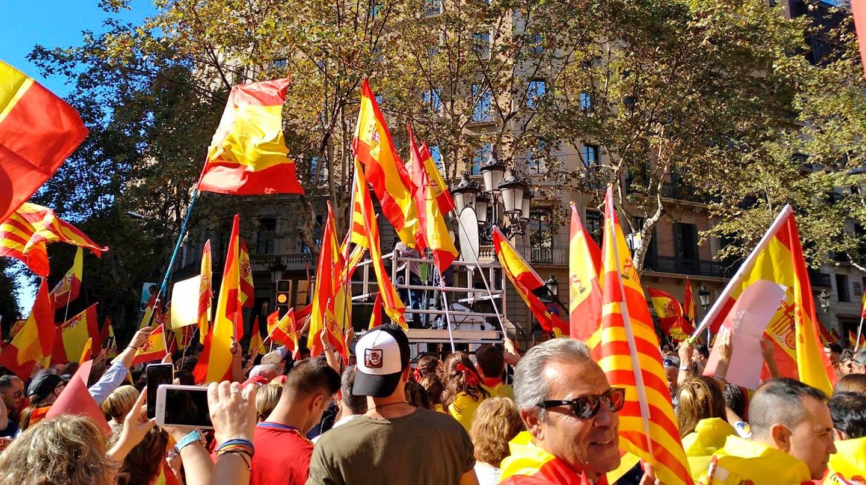 """Manifestación bajo el lema """"Todos somos Cataluña"""""""