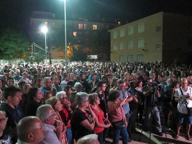 Protestas por el soterramiento de las vías y contra el muro del AVE.