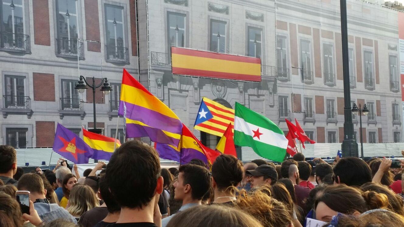 Manifestación en la Puerta del Sol apoyando el 1-O