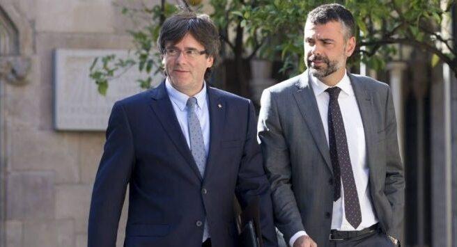 Santi Vila, junto al presidente de la Generalitat Carles Puigdemont.