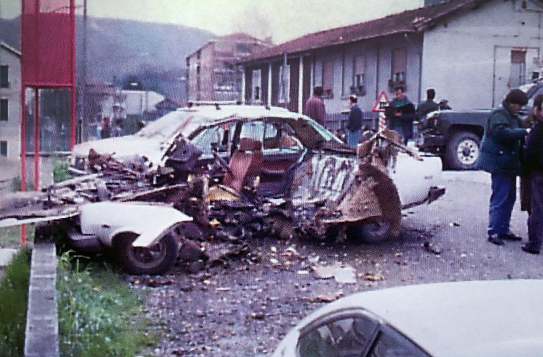 Vehículo en el que viajaba el guardia Francisco Álvarez Gómez en Ortuella (Vizcaya) el 9 de mayo de 1991.