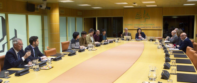 2017.11.13 Reunión de la ponencia de autogobierno celebrada hoy en el Parlamento Vasco.