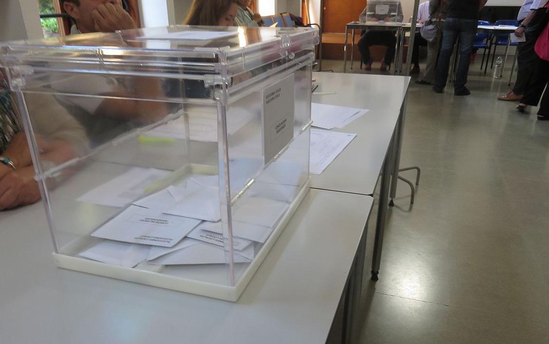 Urna de las elecciones catalanas de 2015.