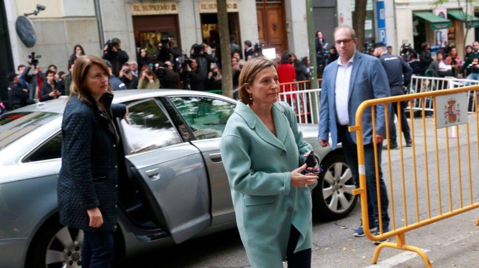 La presidenta del Parlament de Cataluña , Carme Forcadell, a su llegada a la sede del Tribunal Supremo.