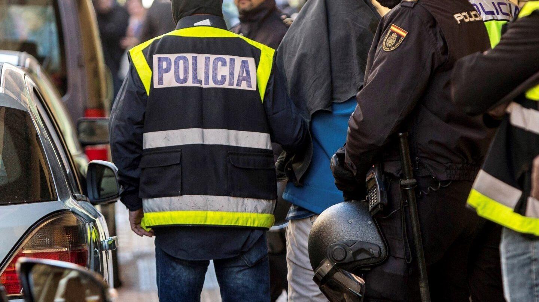La Policía Nacional, durante una operación antiyihadista.