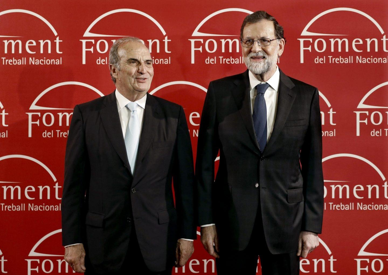 Mariano Rajoy, junto al presidente de Foment del Treball, Joaquim Gay de Montellá.