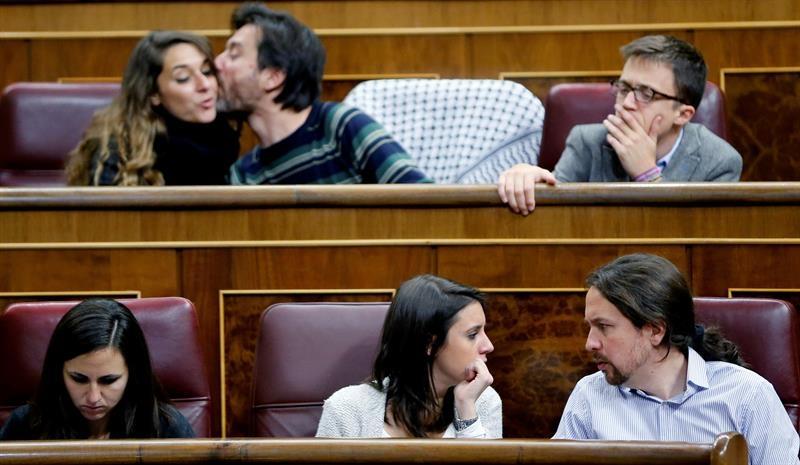 Los diputados de Unidos Podemos, en el Congreso de los Diputados este martes.