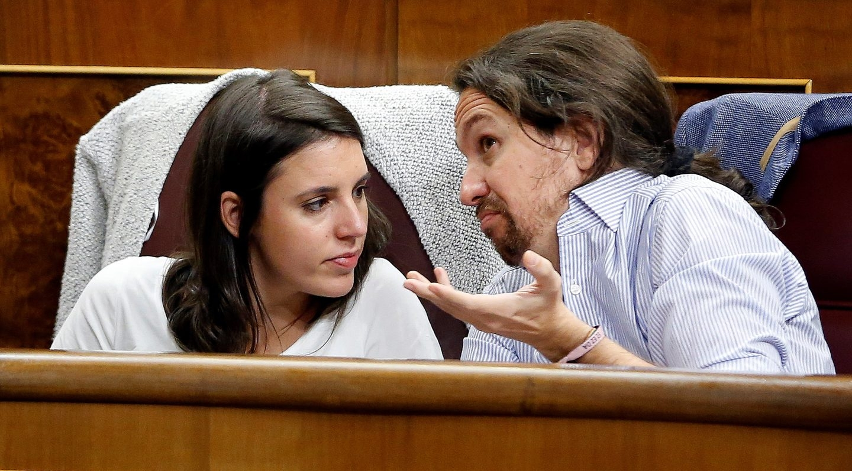 Irene Montero y Pablo Iglesias en el Congreso de los Diputados.