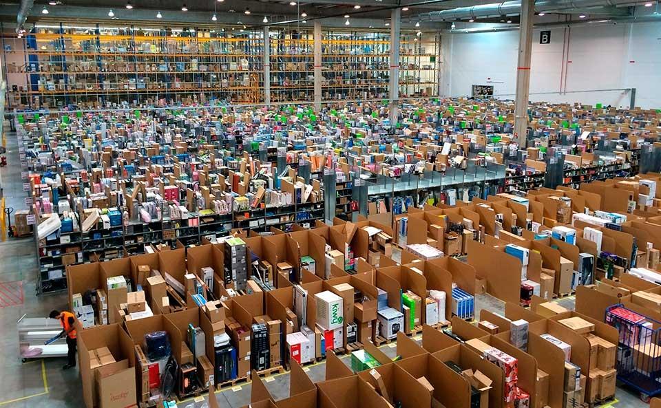 Las compras online, disparadas: cada español gastó 1.200 euros en 2016