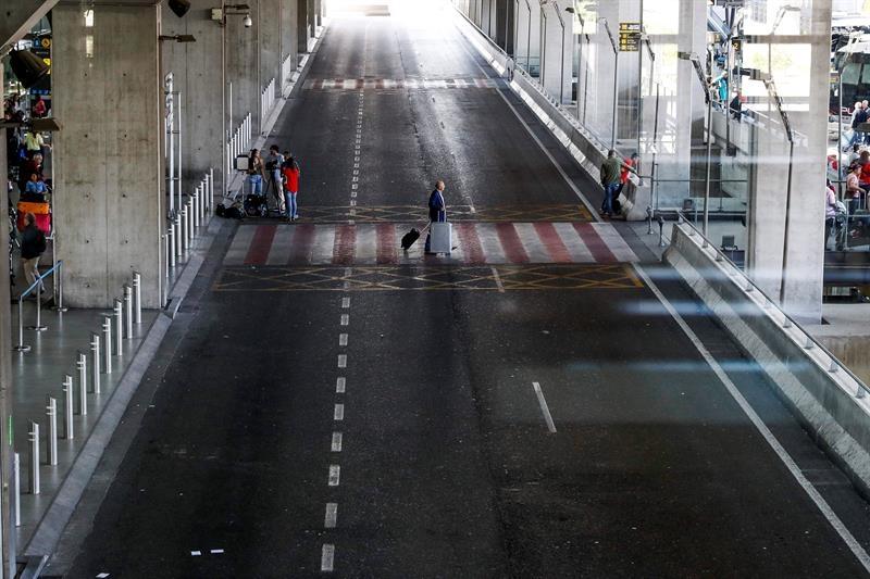 El aeropuerto de Barajas amanece sin taxis: así será la manifestación que parará Madrid