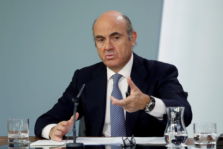 Bruselas eleva la previsión de crecimiento de España pero avisa de riesgo por Cataluña