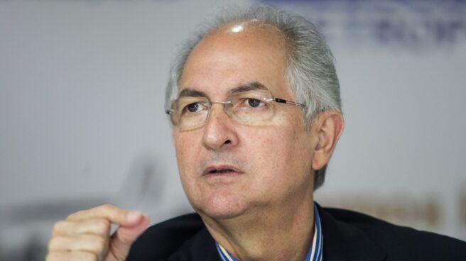 Antonio Ledezma, ex alcalde de Caracas y opositor a Maduro, huye de Venezuela