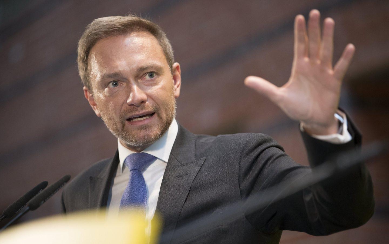 El líder liberal, Christian Lindner, explica a los medios la ruptura de conversaciones para formar gobierno.