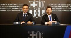 Leo Messi firma la renovación de su contrato con el Barcelona hasta 2021