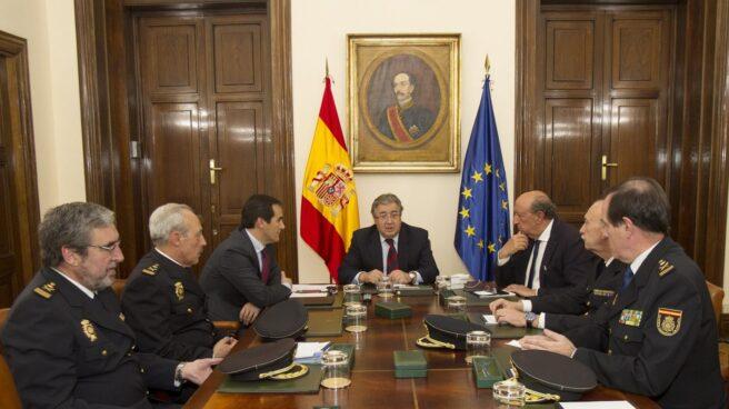 El ministro Juan Ignacio Zoido, presidiendo el pasado jueves la primera reunión con la nueva cúpula policial.