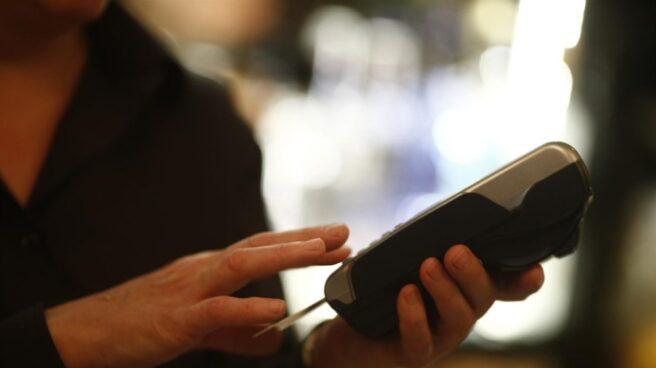 El pago con tarjeta aumenta en un 74% durante el 'Black Friday'