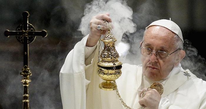 El Papa prohibe la venta de tabaco en el Vaticano.
