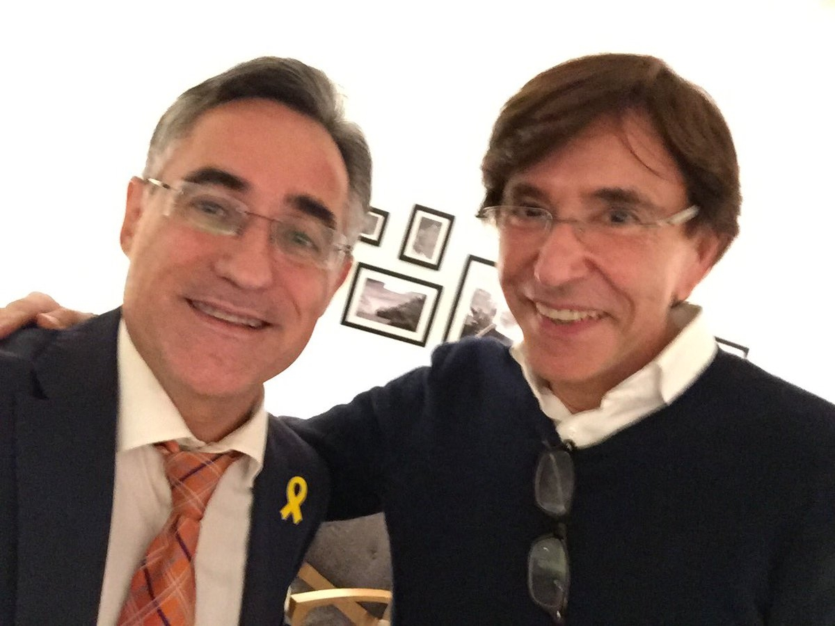 El eurodiputado del PDeCat, Ramón Tremosa, junto al ex primer ministro belga Elio di Rupo.