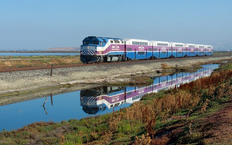 Un tren en el trayecto Altamont Corridor Express, en California.
