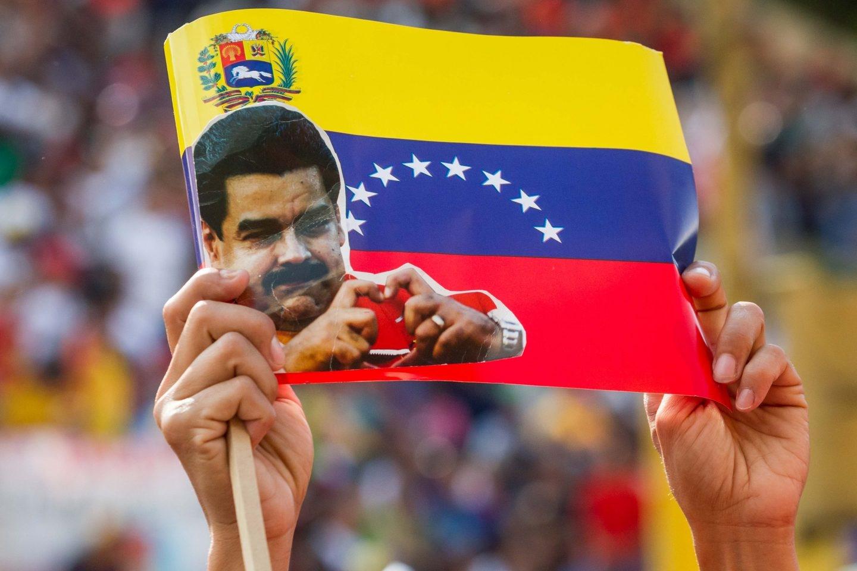 Un cartel con la imagen de Maduro en el arranque de la campaña para las locales en Venezuela.