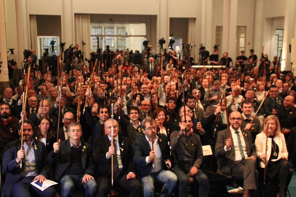 Los alcaldes soberanistas, antes del acto en Bruselas.