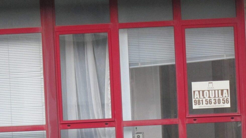 Fachada de una vivienda en alquiler.