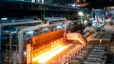 La falta de Gobierno obliga a seguir cargando en el recibo de luz ayudas a la gran industria
