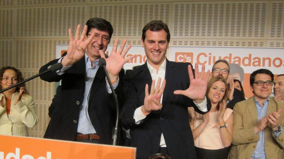 El líder de Cs, Albert Rivera, junto a Juan Marín. tras las andaluzas de 2015.