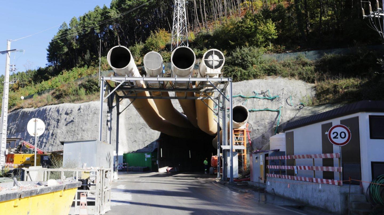 Entrada de la central subterránea de Gouvaes