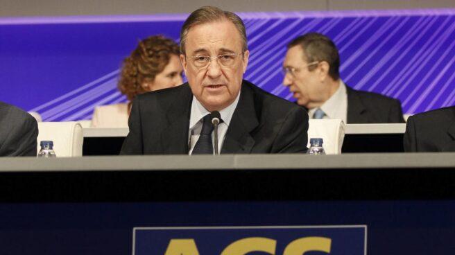 ACS reduce su deuda en plena opa por Abertis.
