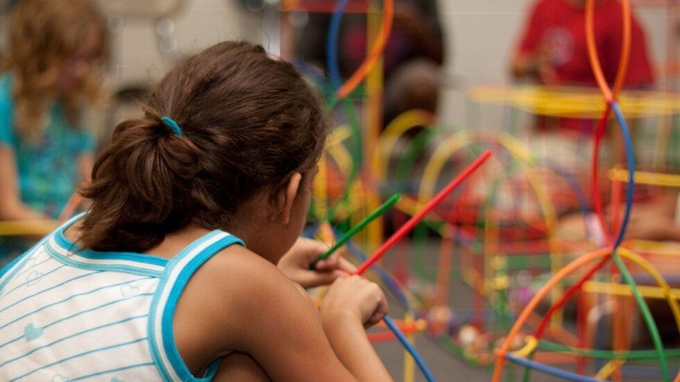 Potenciar las inteligencias múltiples es fundamental para que los niños mejoren su autoestima, sean más felices e incluso orienten mejor su desarrollo profesional.