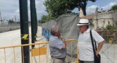 El maestro jubilado que tiene en vilo a Adif y al PP de Murcia
