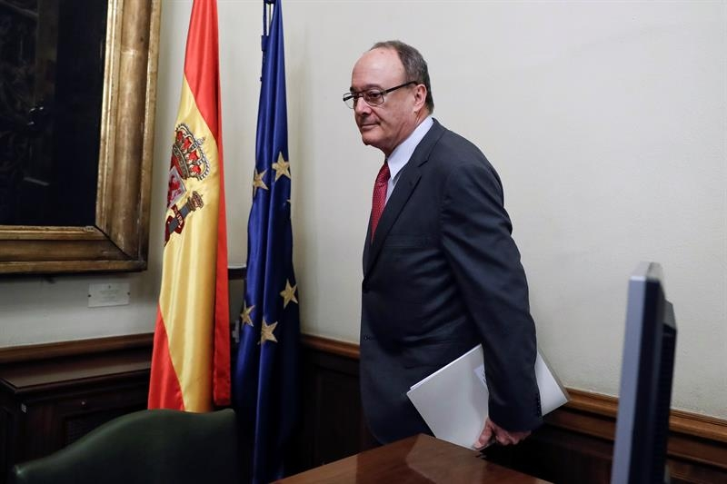 Luis María Linde, durante su comparecencia este martes en el Senado.